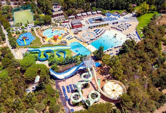 https://www.ccncastelbuono.com/wp-content/uploads/2020/12/l-acquapark-dal-drone.jpg